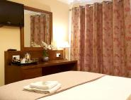 deluxe-double-room-with-shower-9